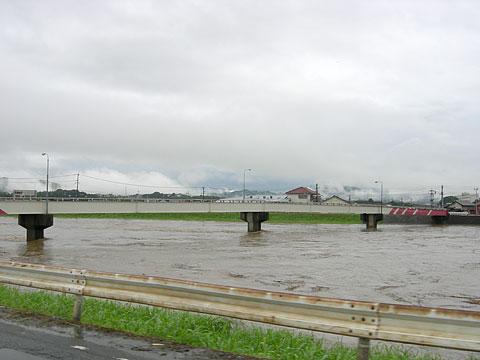 rain_eki.jpg